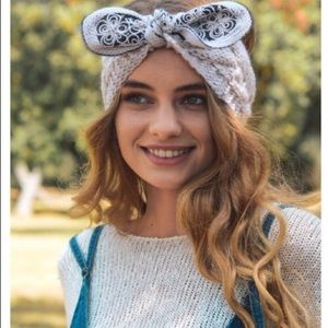 Crocheted Headbands in a beautiful Light Gray
